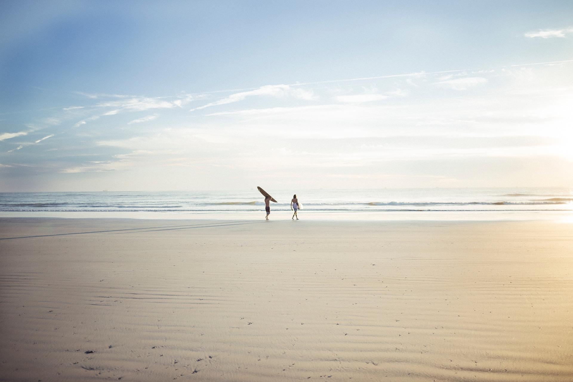 Je kunt de golven niet veranderen, maar je kunt wel leren surfen.